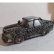 auta Sochy z kovu detail hlavne maticky bok II