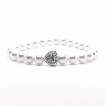 Náramek perly 6mm se srdcem ve stříbrné barvě s kubickými zirkony