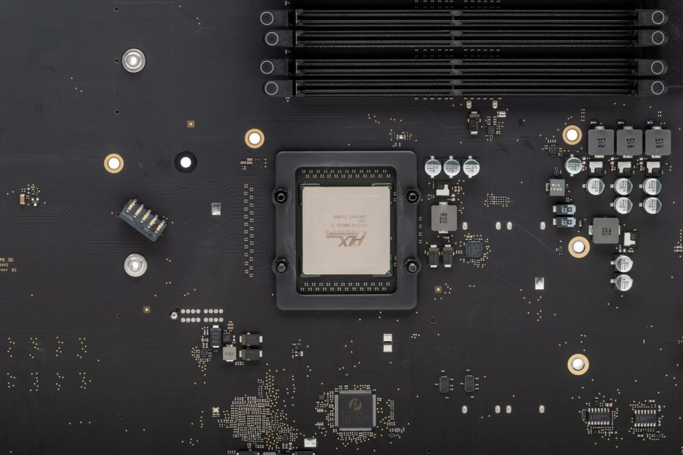 2019 Mac Pro – PLX chip with heatsink removed