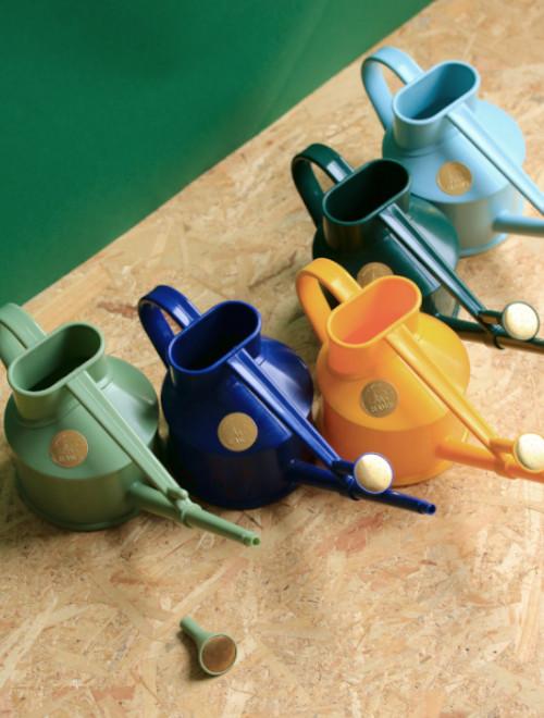 offre abonnement janvier box jardinage potager sur balcon, facile à cultiver : arrosoir