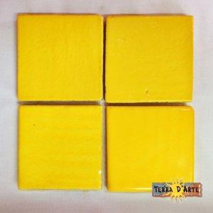 Mattonelle fondo giallo 10 x 10 - TERRA D'ARTE