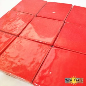 Mattonelle fondo rosso acceso 10 x 10 - TERRA D'ARTE
