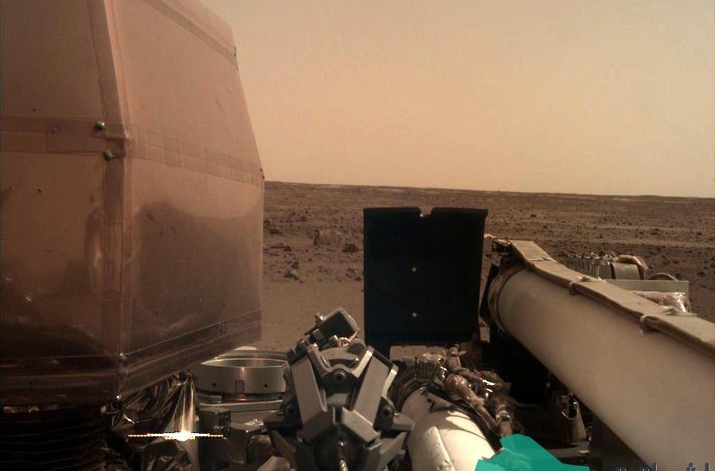 """هبوط المسبار """"إنسايت"""" التابع لناسا بنجاح على سطح المريخ"""