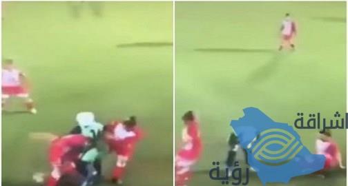 شاهد.. رد فعل لاعبات كرة قدم أردنيات بعد سقوط حجاب لاعبة من الفريق المنافس