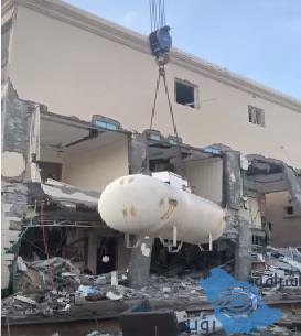 مصادر: الغاز لم يكن سبب انفجـار منزل وانهيار واجهته بالدمام (فيديو)