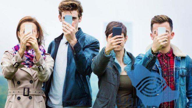 ماذا تعرف عن مخاطر إدمان الهواتف الذكية؟