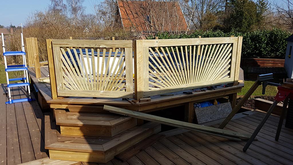 DIY Sunburst poolhegn