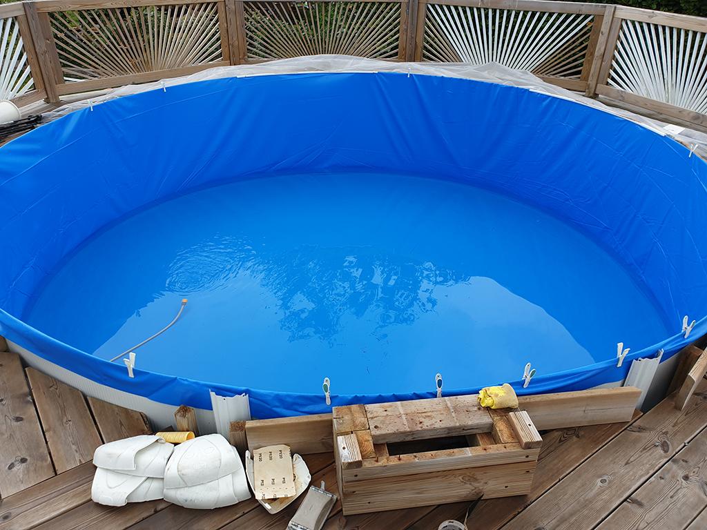 Opfyldning af pool med 10 cm. vand