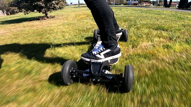 Riding Propel Endeavor S on grass