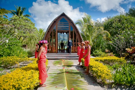 Bora_Bora_Destination_Wedding_15