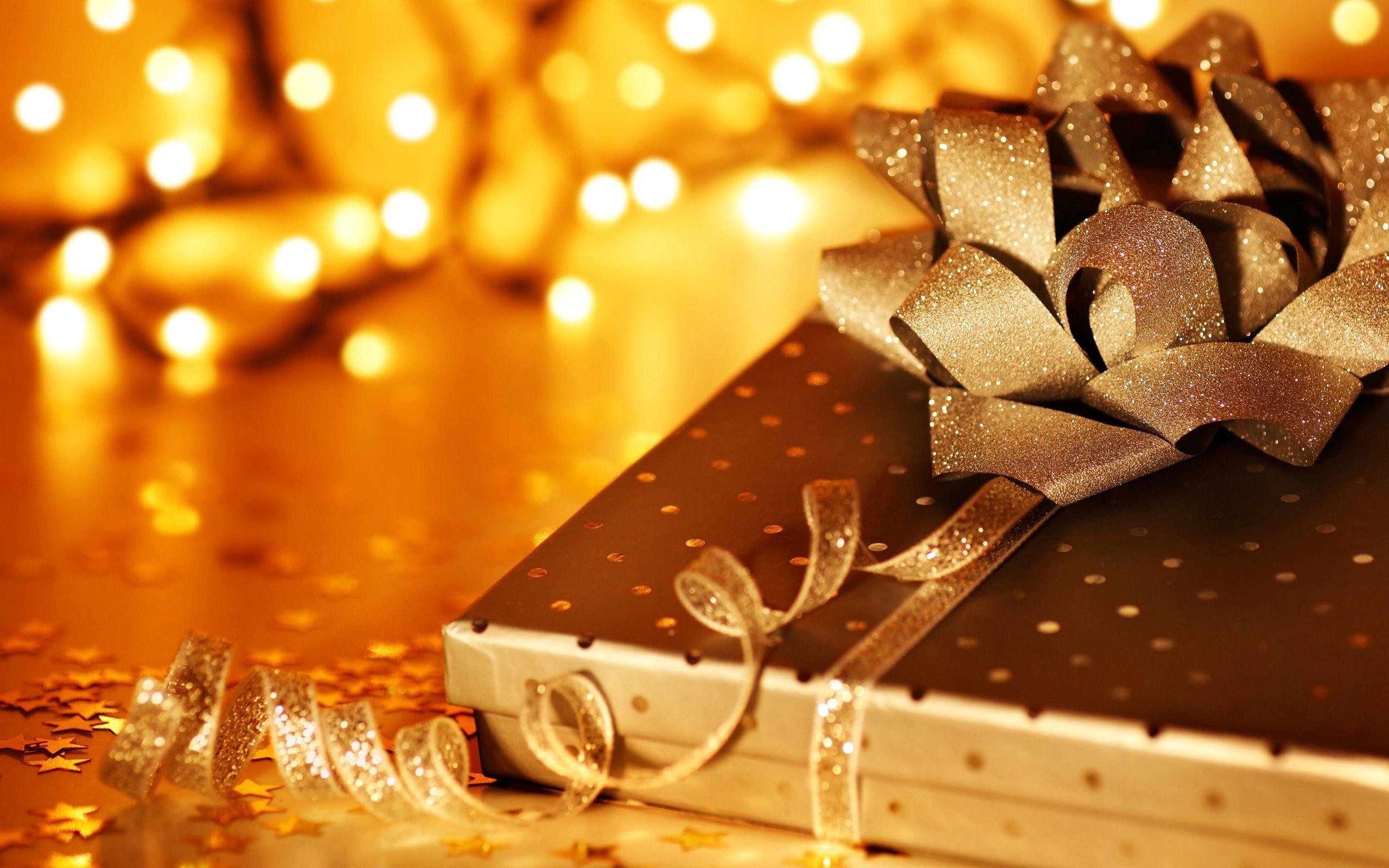 Risultati immagini per Christmas Books wallpaper