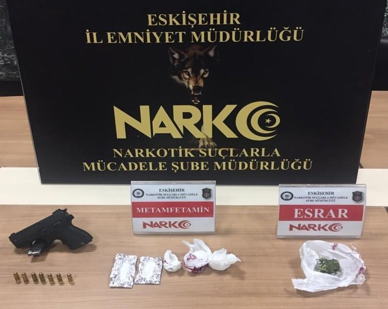 Eskişehir'de torbacılara yönelik operasyon: 2 gözaltı