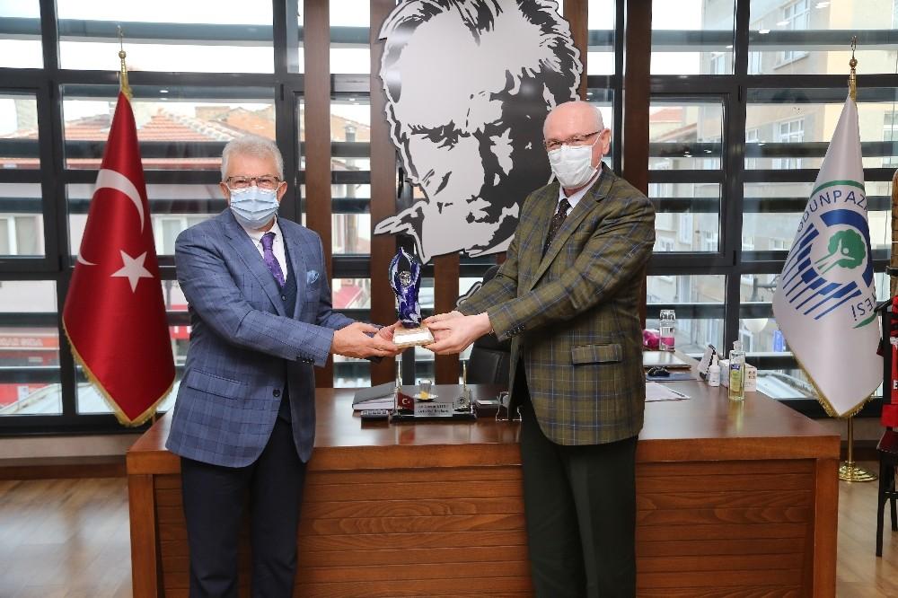 Ödemiş Belediye Başkanı Mehmet Eriş Başkan Kurt'u ziyaret etti