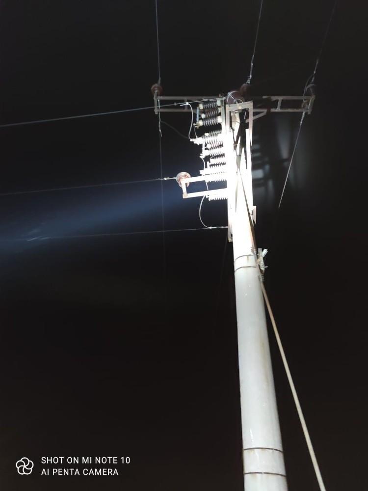 Trafodan kablo çalmaya çalışırken elektrik akımına kapıldılar, 1 ölü 3 yaralı