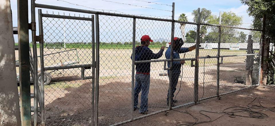 IMDA instala pórtico a estadio de futbol en Compuertas