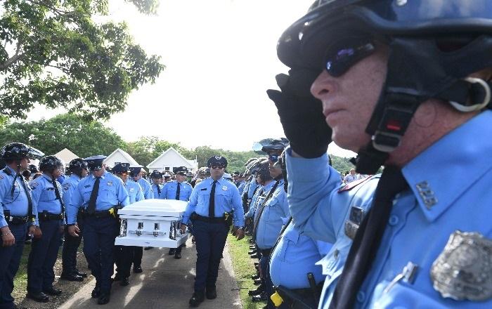 Proponen mejorar beneficios a policías por muerte en el cumplimiento del deber