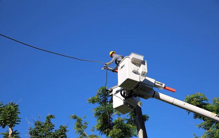 Firman ley que prohíbe el corte de luz sin previo aviso