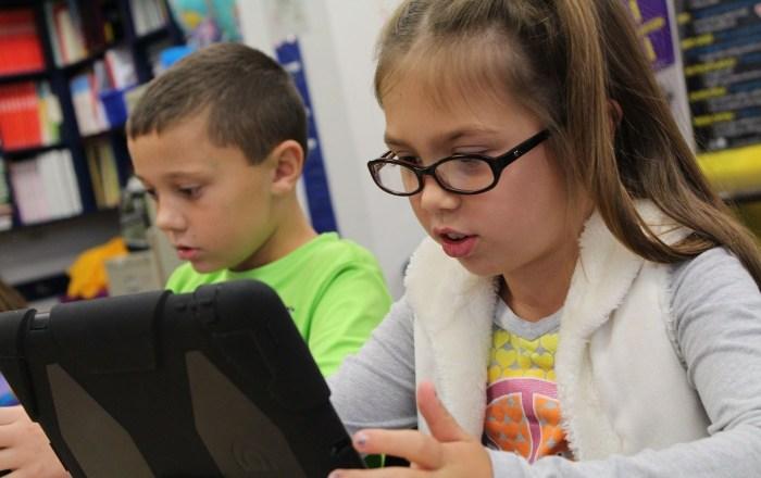 Estudiantes de Ponce pueden usar Internet en centro cibernéticos