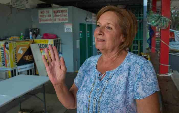 Pequeños comerciantes de Guánica tratan de levantarse solos