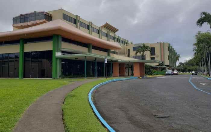 Referidos a Justicia y multados dos hospitales de Bayamón que rechazaron admitir un paciente con posible coronavirus