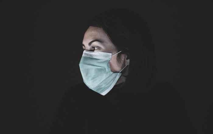 Mayagüez amenaza con despedir al empleado o contratista que no use mascarilla
