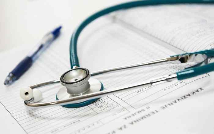 ¿Qué debe considerar al seleccionar su plan médico?