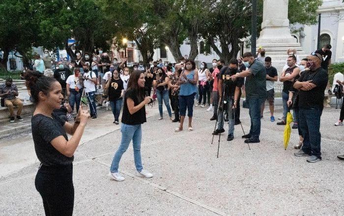 Crónica: Alexandra Lúgaro en la plaza de Ponce
