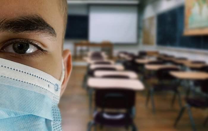 Investigarán salida de la encargada de vigilancia de COVID-19 a nivel escolar