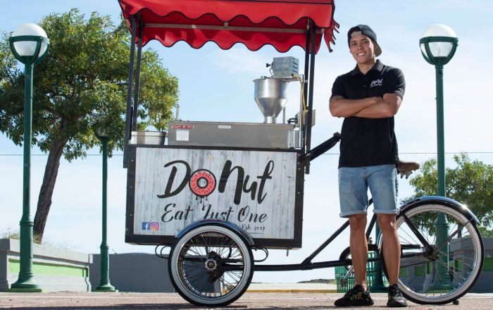 Lanza concepto de bicicleta para vender donas