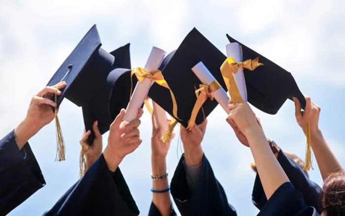 UPR aprueba celebración de graduaciones presenciales