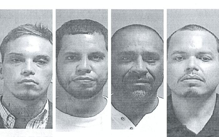 Cuatro hombres acusados por violencia doméstica