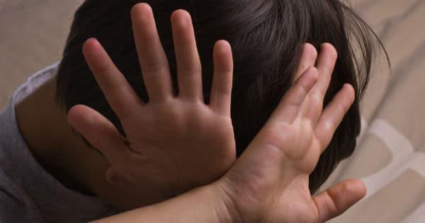 Madre propina una brutal paliza a su hijo de 9 años