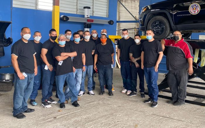 Confinados continúan cursos de mecánica automotriz