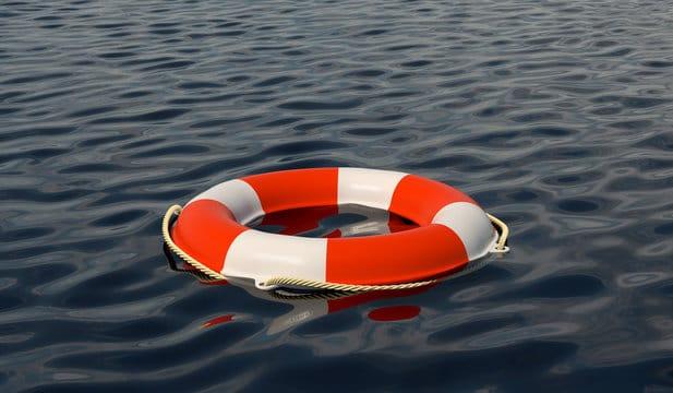 Hombre muere ahogado en playa de Vega Baja