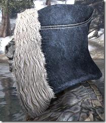 Colovian-Fur-hood-male-left