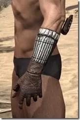 Argonian Iron Gauntlets - Male Side
