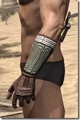 Argonian Steel Gauntlets - Male Side