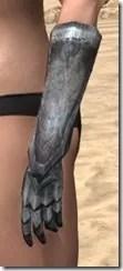 Dark Elf Iron Gauntlets - Female Side