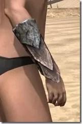 Khajiit Iron Gauntlets - Female Right