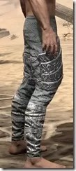 Dremora Iron Greaves - Male Right