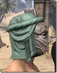 Fanged Worm Heavy Helm - Male Right