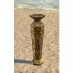 Redguard Vase, Golden