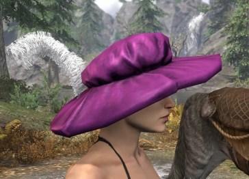 Spirited Soubrette Round Cap - Female Right