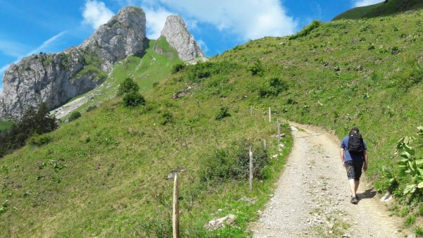 Direction le sommet du Grammont depuis le lac de Taney