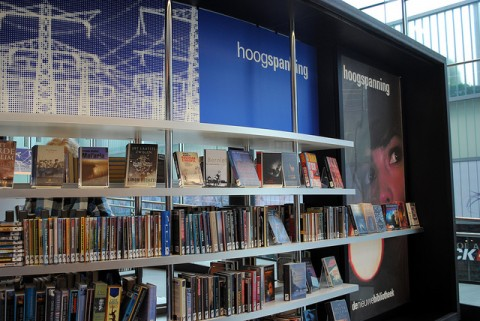 Section «hoogspanning» (haute tension) de la bibliothèque centrale d'Almere au Pays-Bas  Henk Kosters via flickr  (BY NC-SA 2.0)