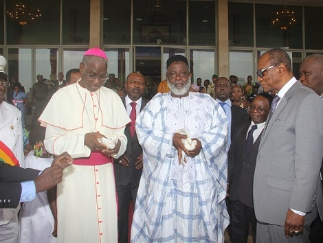 Consultations nationales : Le grand Imam et l'archevêque de Conakry reçus par le PM à la primature