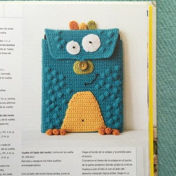 Libro de crochet Mollie Makes - Lechuza porta tablet
