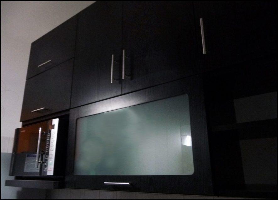 detalle de aéreos con nicho para micro y puerta proyectante con vidrio opacid