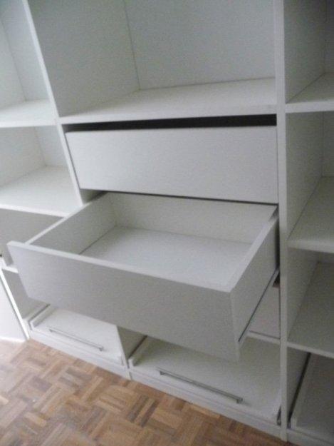 vestidor blanco detalle de cajones