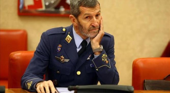 Julio Rodríguez, ex jefe de Estado Mayor de la Defensa (Jemad) con el gobierno de Zapatero,  y Jefe la Misión Militar española que con la OTAN diseñó en el año 2011 los bombardeos contra Libia. Un hombre de confianza de la CIA, fiel a los intereses de Estados Unidos.